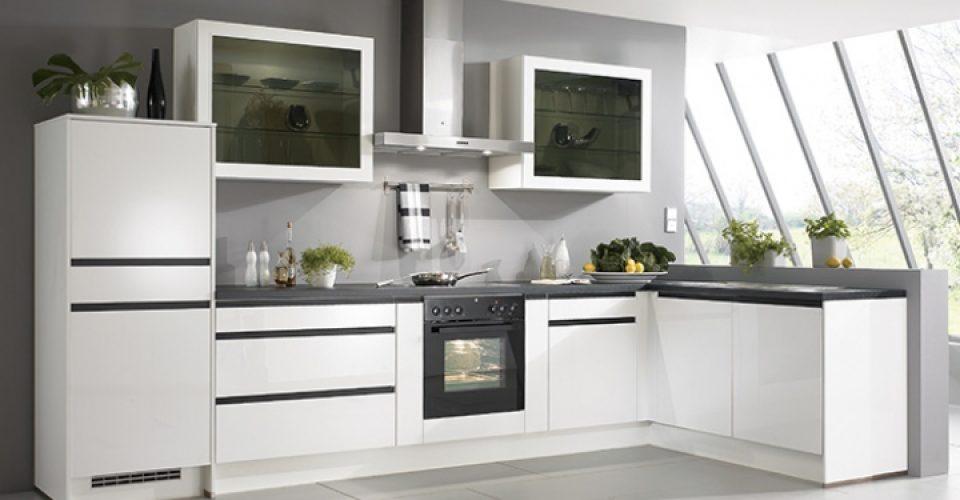 Glorenza greeploze keuken met eigentijds design i kook