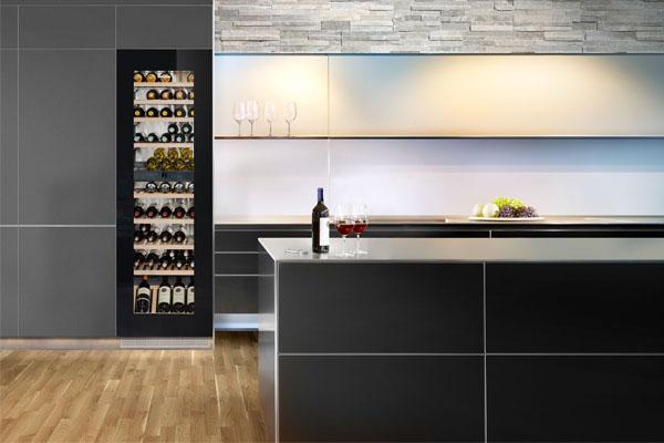 Wijnkoelkast en wijnklimaatkast tips: Inbouw Liebherr wijnklimaatkast met 2 zones, EWTGB3583 Liebherr Vinidor – iF design Award 2018