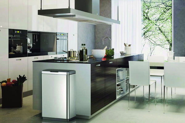 Keuken afval oplossingen: afvalbak met sensor – EKO Mirage met afvalscheiding