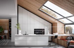 Keukenverlichting tips: Natuurlijk licht op witte hoogglans keuken - Häcker keuken 2030 GL