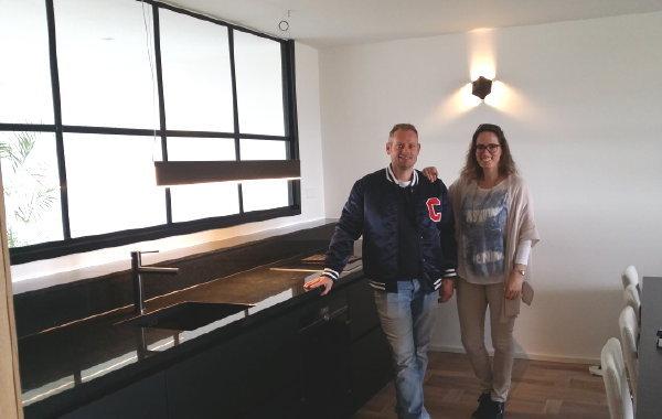 Eindresultaat naar montage – keukenmonteur René en keukencoach Jessica