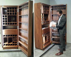 Zelf houten wijnrekken maken voor in de keuken + wijn marquee letter lamp - Brett Sayles, Stanislav Kondratiev, Pexels.com