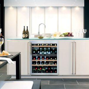 Wijnrekken in de keuken: Liebherr wijnkoelkast wTes 1672 – onderbouw wijnklimaatkast