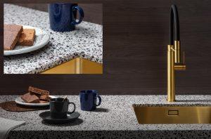 Composiet werkblad Evora Quartz Naga met terrazzo uiterlijk + Gessi 316 Gold keukenkraan en Lanesto spoelbak Gold – keukentrend 2020, Dekker Zevenhuizen
