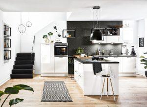 Landelijke moderne keuken met kookeiland en bar – Häcker witte keuken Granada