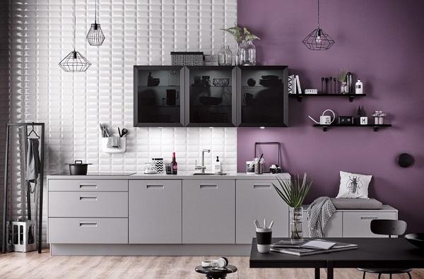Kleine rechte grijze keuken met zwarte keukenkastjes- Häcker Integrale