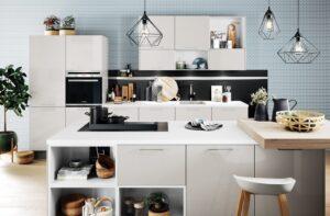 Häcker keuken Cristall Satijn hoogglans lak, parallel keuken licht grijs