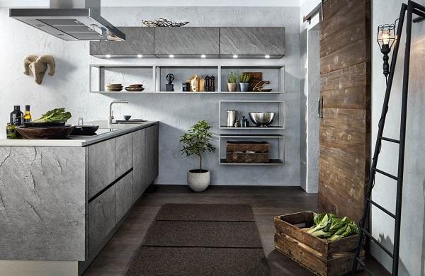 Kleine schiereiland keuken met grijze keukenkastjes + stalen regalen- Häcker Silver Star AV 7030 GL leisteen fineer look