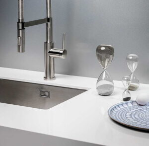 Wit composiet keukenblad Evora Quartz Easy Whit