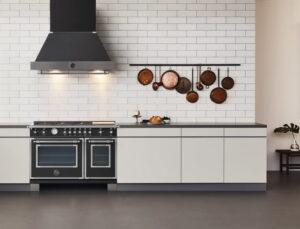 Modern klassieke keuken met een Bertazzoni fornuis The New Heritage Series