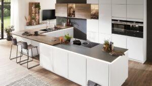 Design keuken met kookeiland en bar, Nobilia Fashion witte keuken
