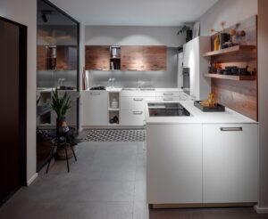 Klein kookeiland, Häcker witte U-keuken